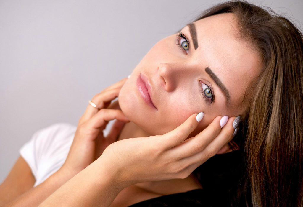 טיפוח העור לאחר הלידה: טיפים לשגרת טיפוח מוצלחת